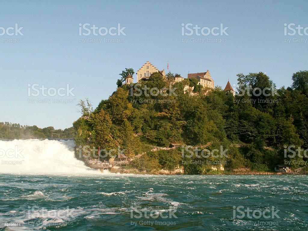 Schaffhausen Rheinfall und Schloss Laufen (Schweiz) royalty-free stock photo