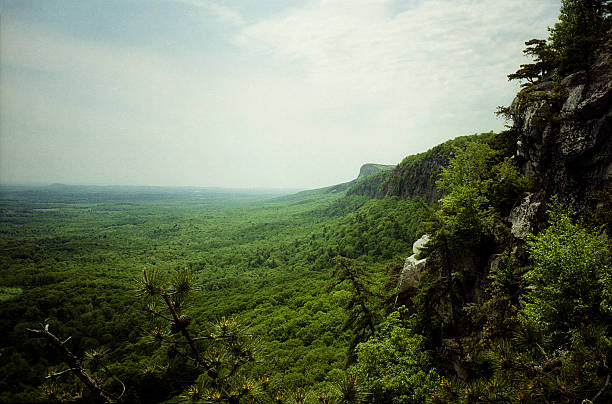 schawangunk mountains new paltz, ny - outcrop stock pictures, royalty-free photos & images