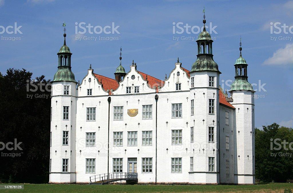 Schloss Ahrensburg Das weiAe Schloss in Ahrensburg in der NAhe von Hamburg, germany Architecture Stock Photo