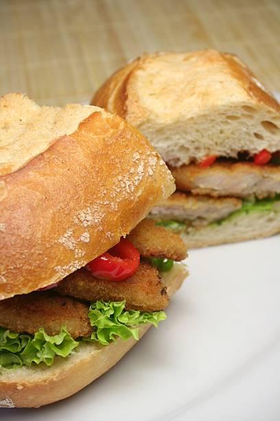 schnitzel sandwich - paprikaschnitzel stock-fotos und bilder
