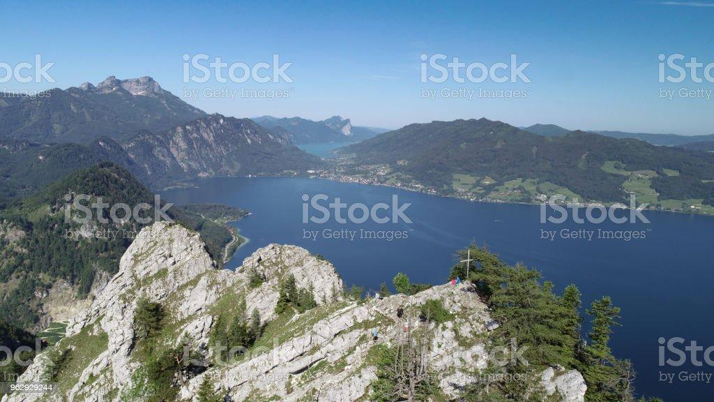 Schoberstein, am Attersee, Österreich. Schafberg und See Mondsee auf der Rückseite. – Foto
