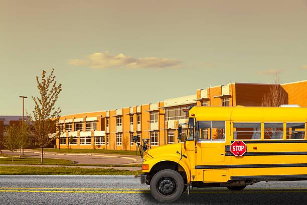 школьный автобус - район стоковые фото и изображения