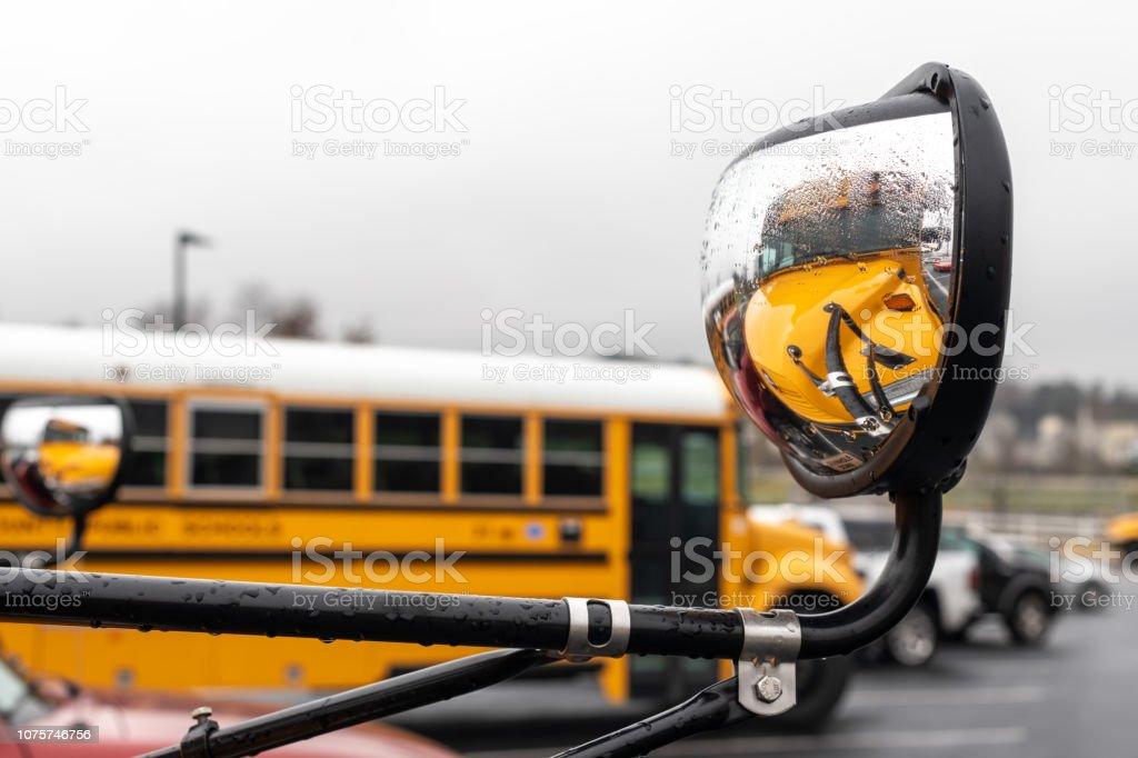 Schulbus – Foto
