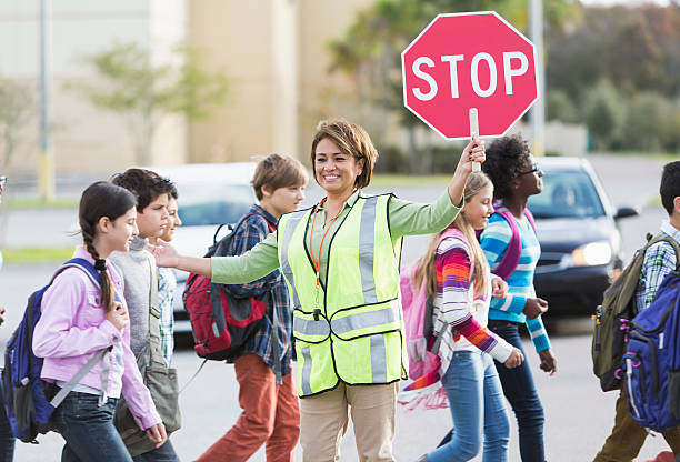 学校 crossing ガード - 横断する ストックフォトと画像