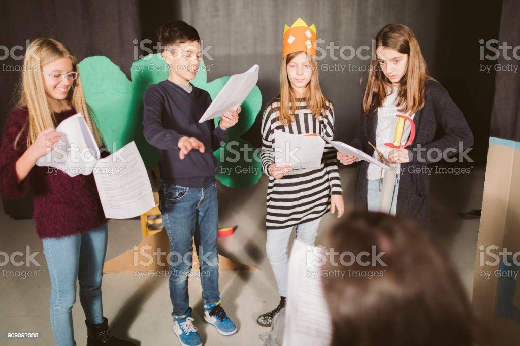 Schule-Theaterstückes – Foto