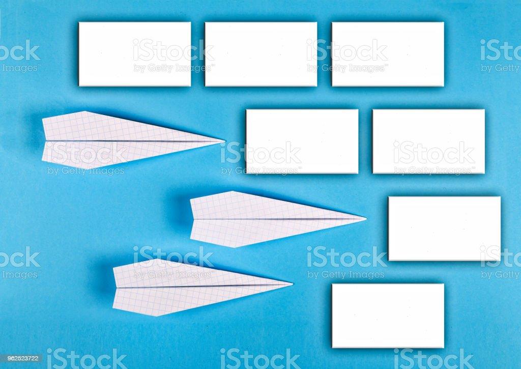MINIMALISMO. escolar calendário, adesivos vazios, o layout do designer. vista superior. conceito de gestão plana leigos, tempo. - Foto de stock de Acima royalty-free