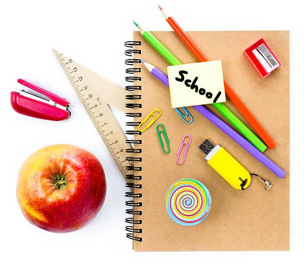 przybory szkolne z glob, apple, ołówki i notatnik - back to school zdjęcia i obrazy z banku zdjęć