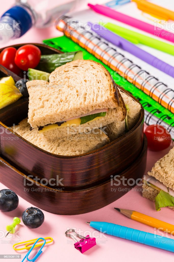 School wooden lunch box with sandwiches - Royalty-free Back to School Stock Photo