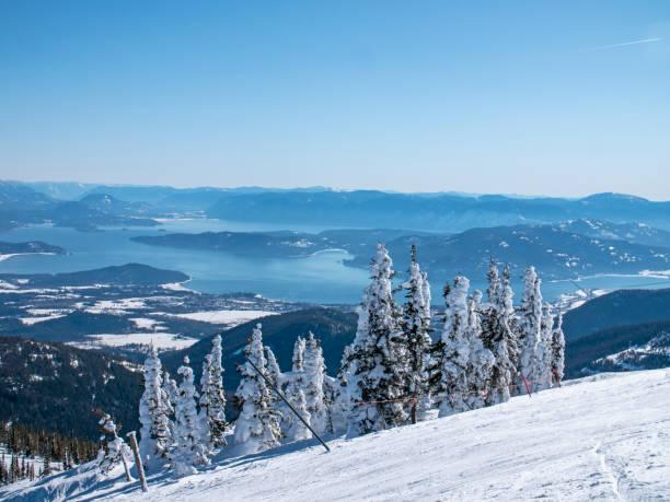 Schweitzer mountain frozen trees above lake pend orielle sandpoint picture id1154325034?b=1&k=6&m=1154325034&s=612x612&w=0&h=ao1c 3jraqnpjfewlzlyvi5ha5hzpao7h5r0h1lote4=