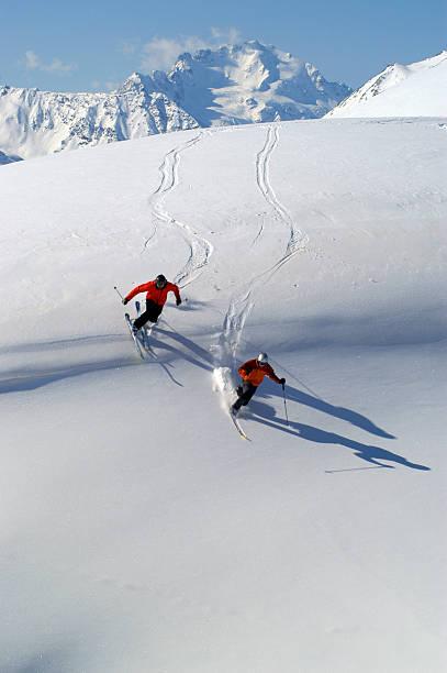Sciatori in Fuoripista stock photo