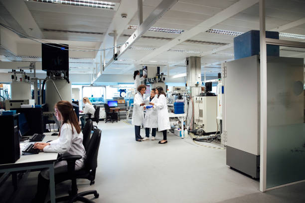 nmr science lab, research into cancer, diabetes, dementia or autism. - ricerca scientifica foto e immagini stock