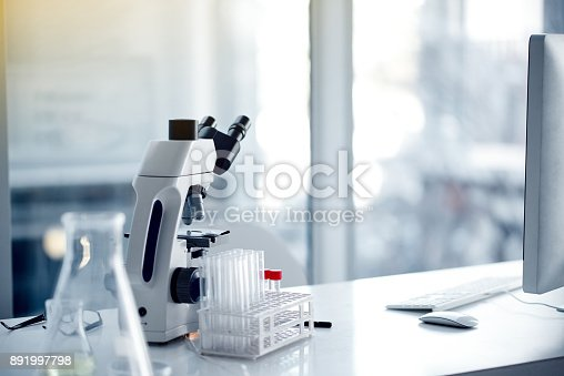istock Scientific essentials 891997798