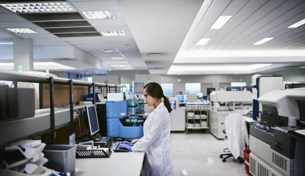 scientific research you can trust - ricerca scientifica foto e immagini stock