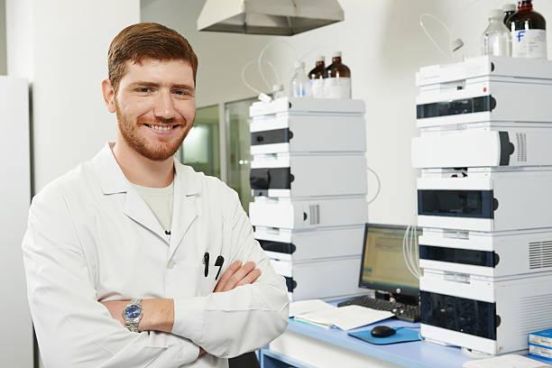 Mann im Labor Wissenschaftler researcher – Foto