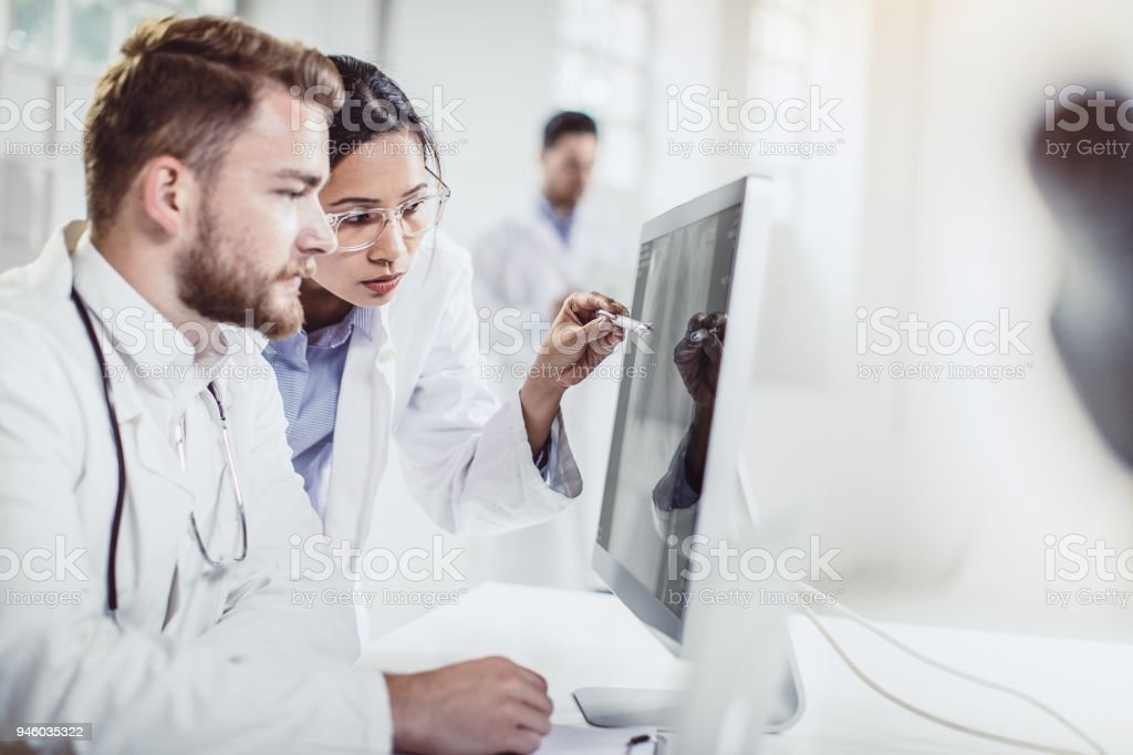 Wissenschaftler arbeiten im Labor – Foto