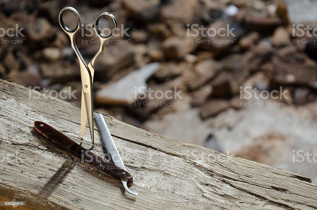 Tesoura e visor em um de madeira feixe de - foto de acervo
