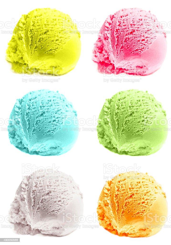 Bolas de sorvete de manga isolado no fundo branco. - foto de acervo