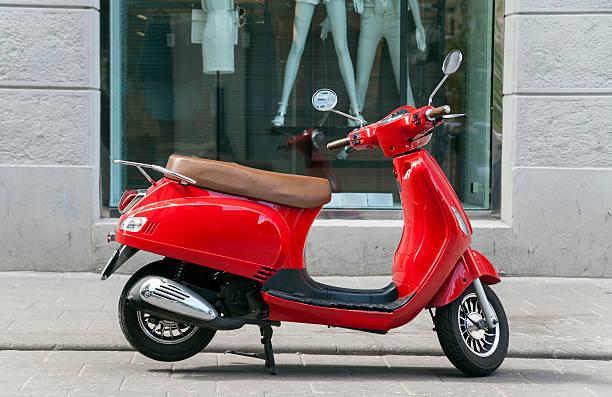 scooter - moped photos et images de collection