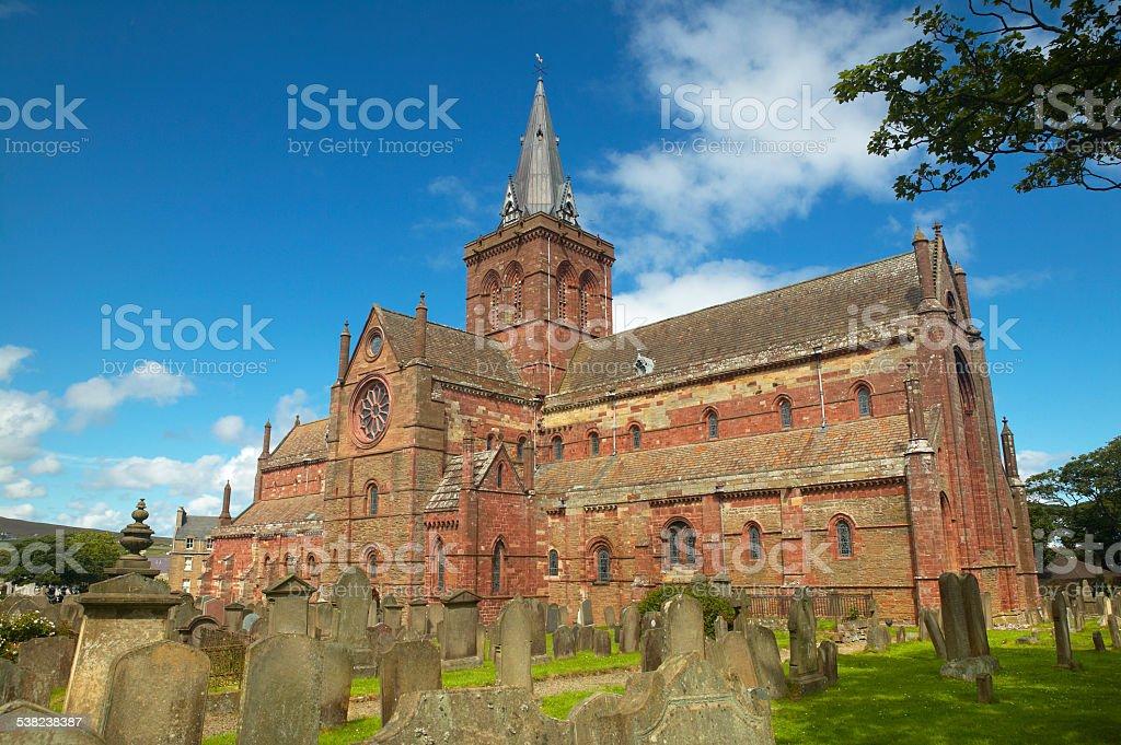 Schottische Kirche und Friedhof in Orkney. St Magnus. Schottland. UK – Foto