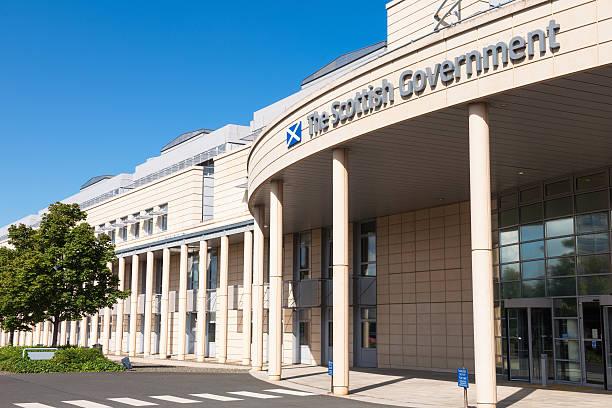"""schottische regierungsgebäude in leith, der """"hafen"""" von edinburgh - schottische kultur stock-fotos und bilder"""