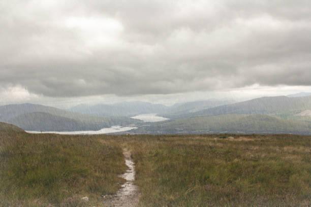 schottischen highlands - nevis tal stock-fotos und bilder