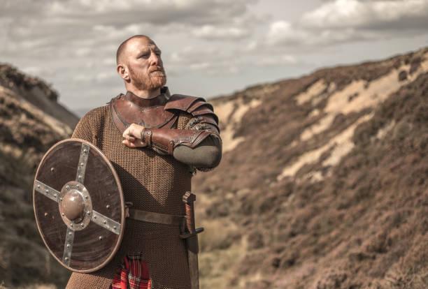 Schottischer Krieger trägt einen Kilt – Foto