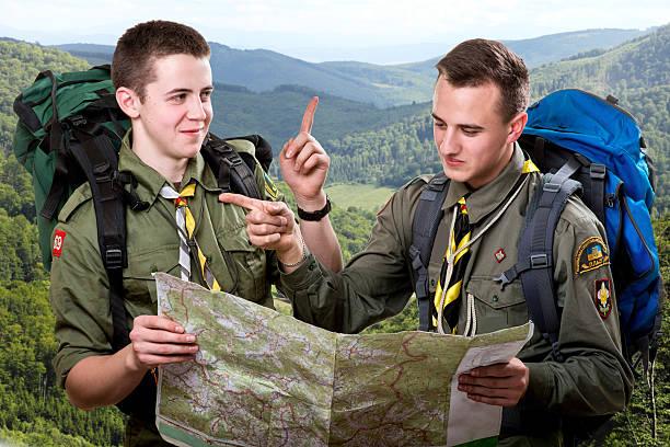 scout recorrido - boy scout fotografías e imágenes de stock