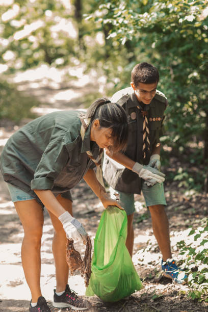 Scouts Cleaning Local Forest