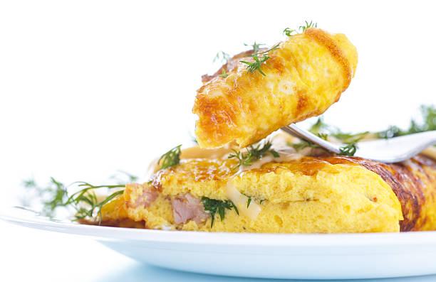 scrambled eggs with fresh herbs圖像檔