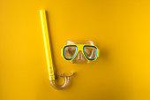 Scuba mask, background, yellow
