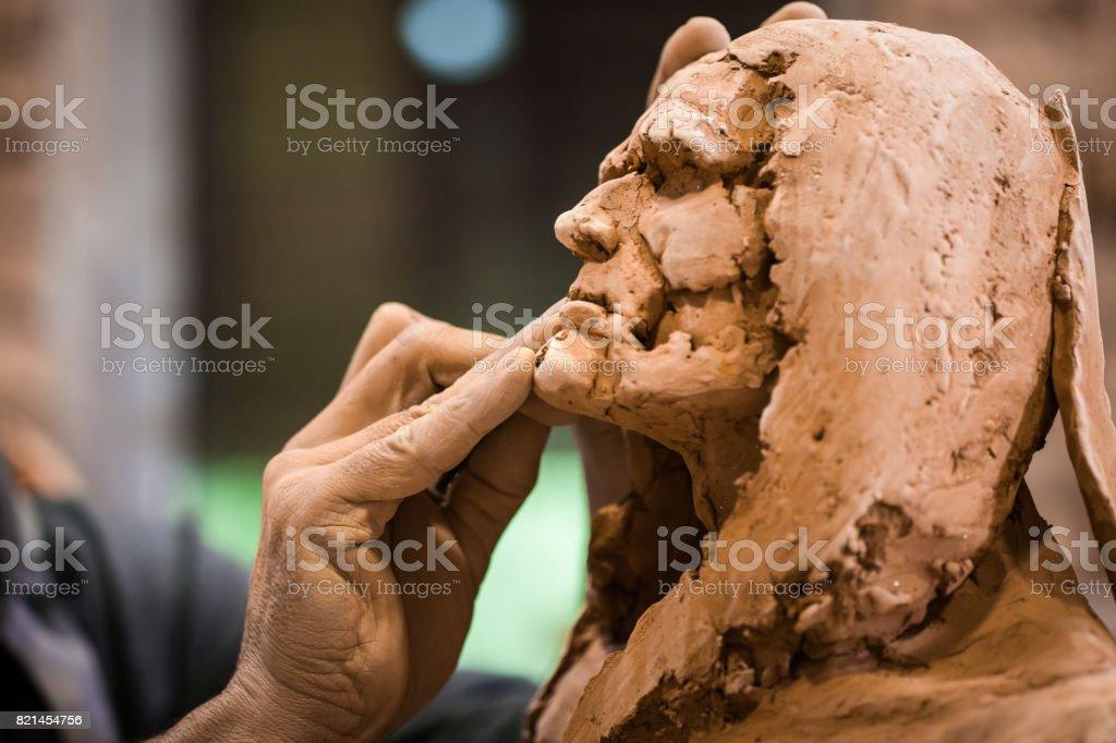 Arbeiten auf die Bildhauerei Bildhauer – Foto