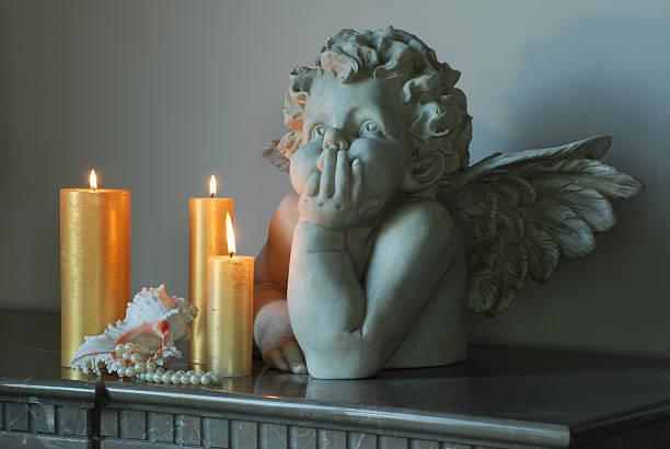 skulptur eines engels - schmuck engel stock-fotos und bilder
