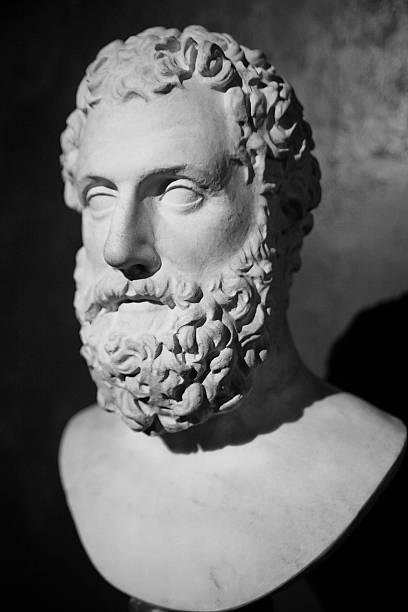 Skulptur des legendären Philosophen – Foto