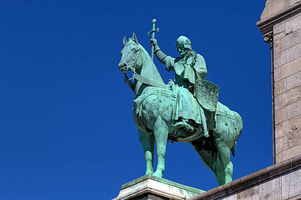 sculpture of knight - the crusades stock photos and pictures