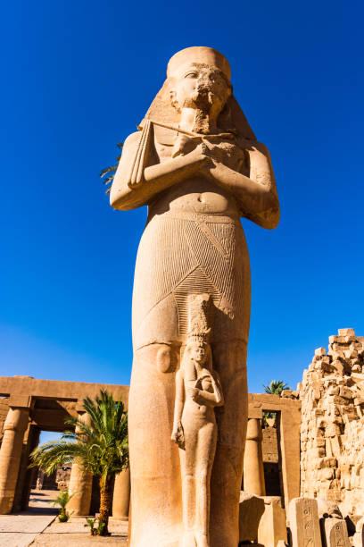 Skulptur von Ramses II in Karnak Tempel, Luxor, Ägypten. – Foto