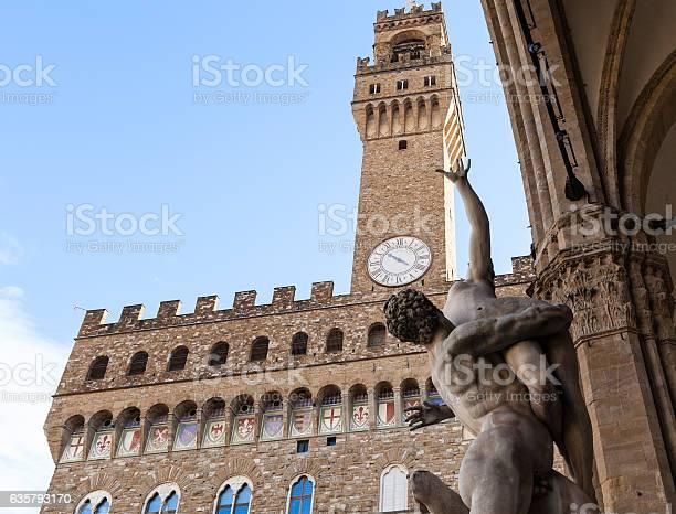 Sculpture rape of sabine women and palazzo vecchio picture id635793170?b=1&k=6&m=635793170&s=612x612&h=auv0c3knc13qods ev f6jyizqpjiag s5fhzsizqlc=