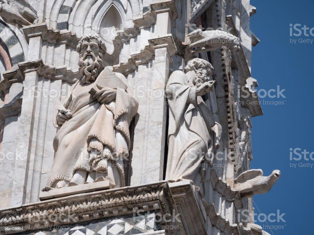 Esculturas de philiophers no exterior da Catedral de Siena - Foto de stock de Antigo royalty-free