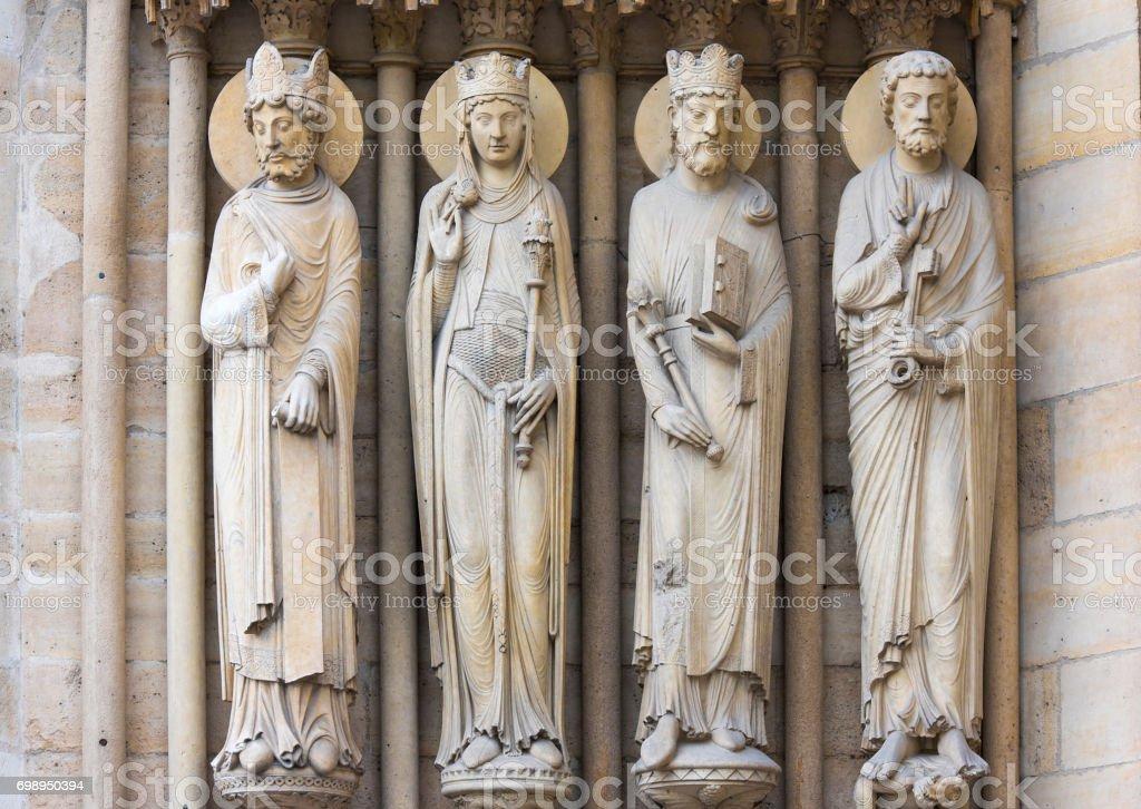 Skulpturen An Der Wand Von Notredame De Paris Stockfoto Und Mehr Bilder Von Arbeitsstatten Istock