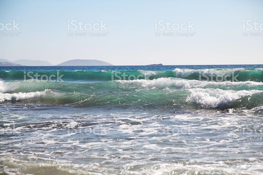 Mar fundo de ondas e quedas. foto royalty-free