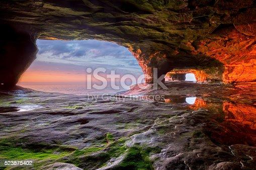 istock Sea Cave on Lake Superior 523875402