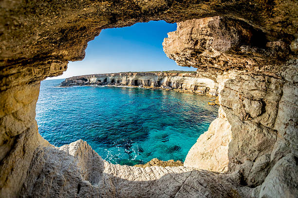 пещеры море вблизи агия напа, кипр - cyprus стоковые фото и изображения