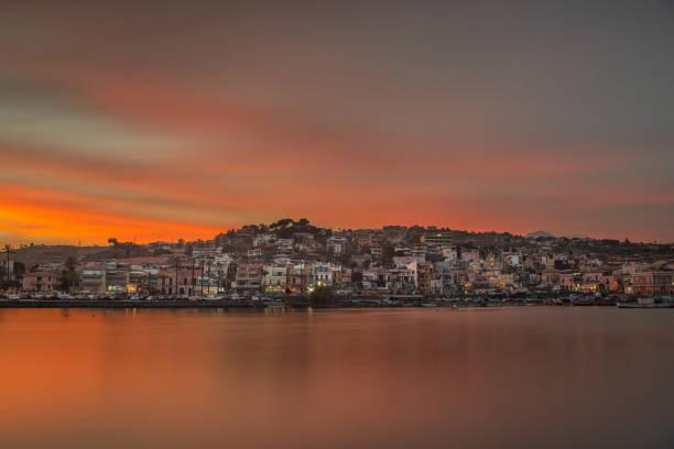 sea city at sunset – zdjęcie
