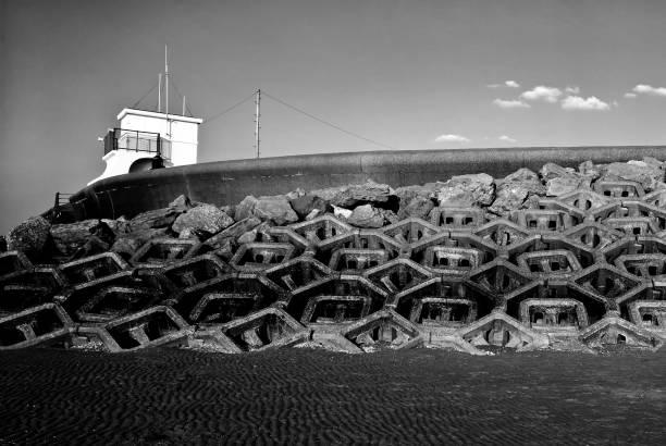 Meer Verteidigung (schwarz und weiß) am neuen Brighton Beach – Foto