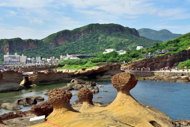 Meereserosion geologische Wunder-Isolierte Pilzsteine – Foto