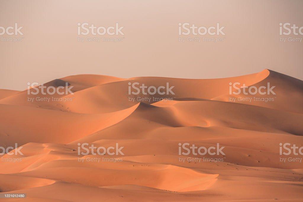 Sea of Sand Rub' al Khali Desert Dunes VAE - Lizenzfrei Abenddämmerung Stock-Foto