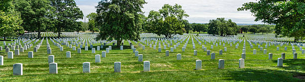 sea of tombstones at arlington national cemetery, virginia, usa - arlington national cemetery stock pictures, royalty-free photos & images