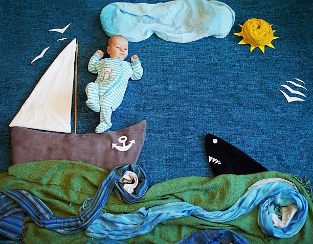 das meer - lustige babybilder stock-fotos und bilder