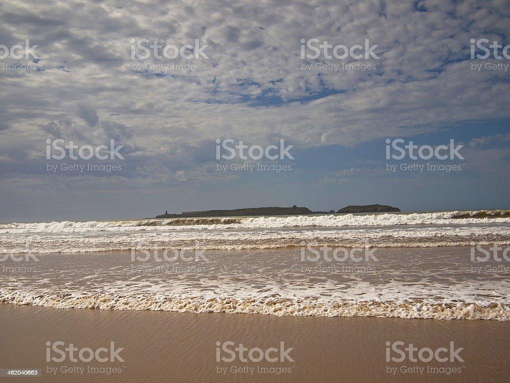 Riva Del Mare Con Sabbia Su Uno Sfondo Di Cielo Fotografie Stock E