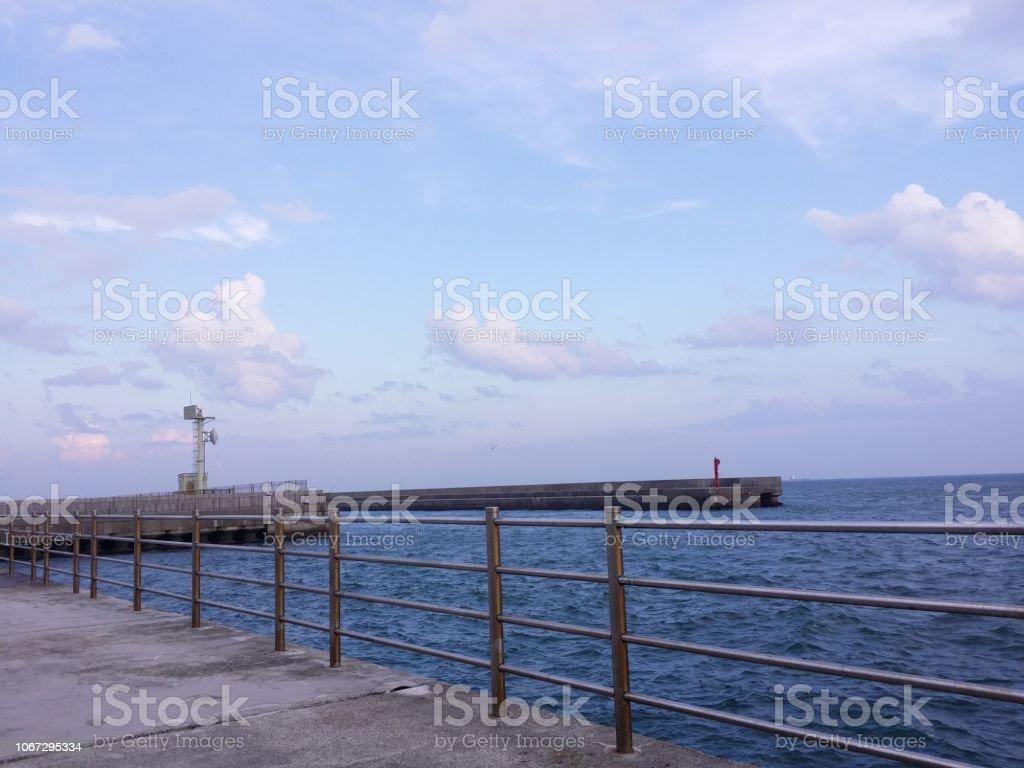防波堤から海の景色 ストックフォト