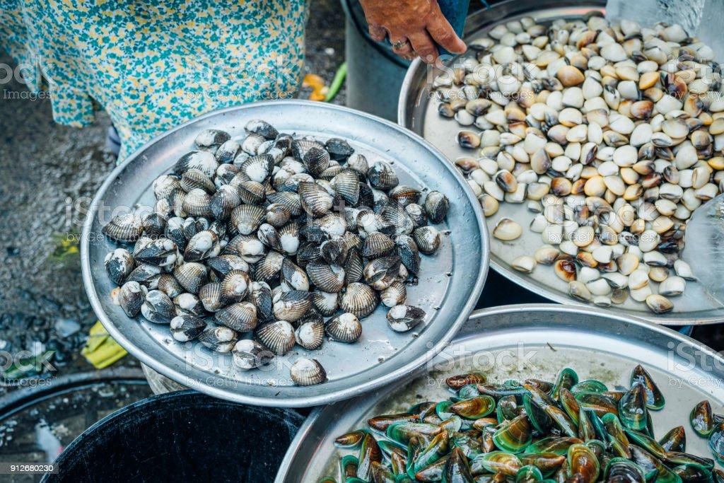 Mariscos para la venta en Manila, Filipinas - foto de stock